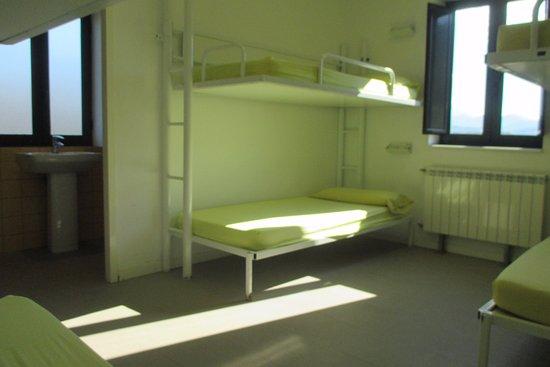 Hostel-la-brown-1