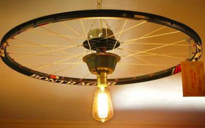 Una lámpara con alma ciclista